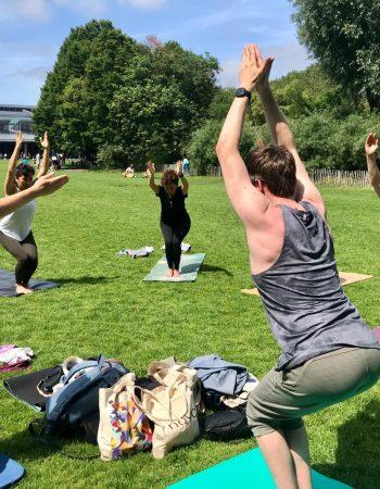 Nour yoga-Cours de yoga solidaire au parc
